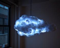 Esta lámpara nube crea una tormenta interior en tu dormitorio. ¡Esto es lo más genial que se ha inventado!
