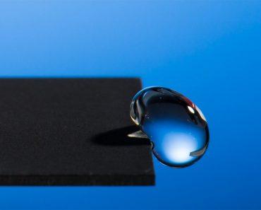 Científicos Desarrollan Metal hidrofóbico Que Hace Que El Agua Rebote. ¡No Lo Creerás!