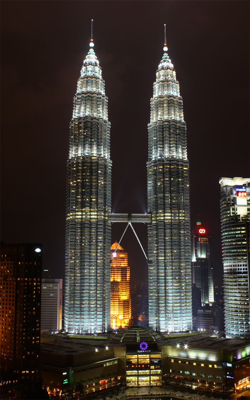 8-Petronas-Towers