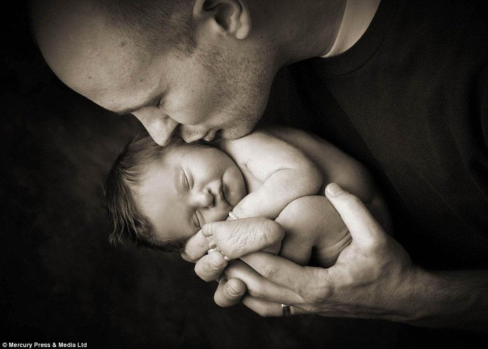 Conmovedoras Y Emotivas Imágenes de Bebés Que Han Muerto Como Recuerdo Para Sus Padres