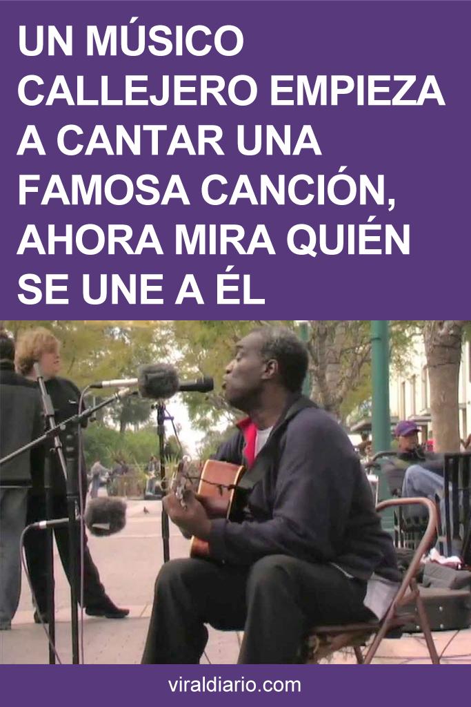 Un Músico Callejero Empieza A Cantar Una Famosa Canción, Pero Cuando Veas Quién Se Une A Él Se Te Caerán Las Lágrimas