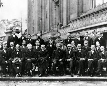 Fotografía Del Día: El Congreso Solvay, La Fotografía Más Famosa (E Inteligente) De La Ciencia