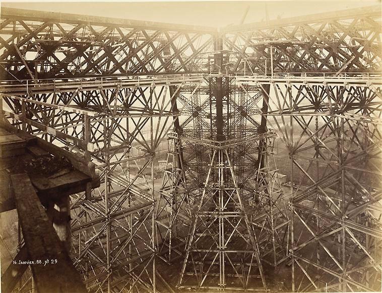 construccion-torre-eiffel-10