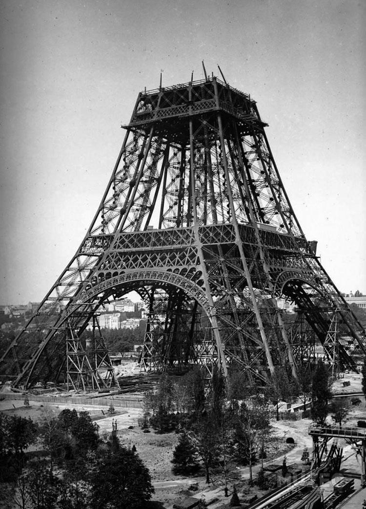 construccion-torre-eiffel-17