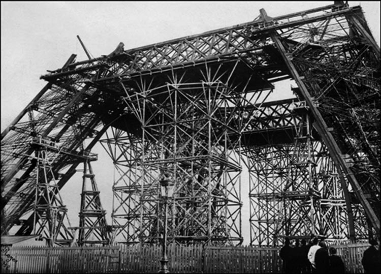construccion-torre-eiffel-8