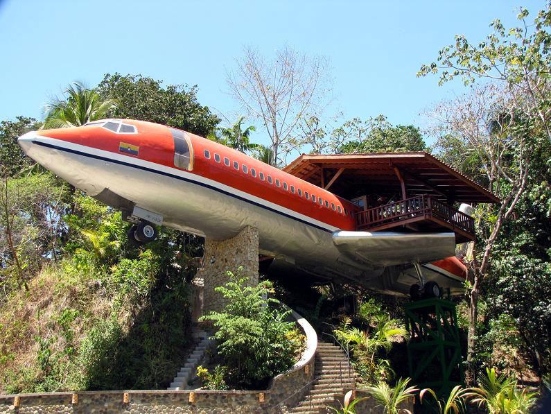 Esto Podría Parecer Un Avión Normal, Pero Esperad A Ver Lo Realmente Hay Dentro