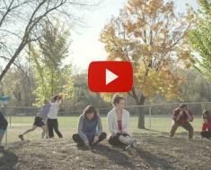 El Delirante Vídeo De Gente Actuando Como Perros En Un Parque Para Perros
