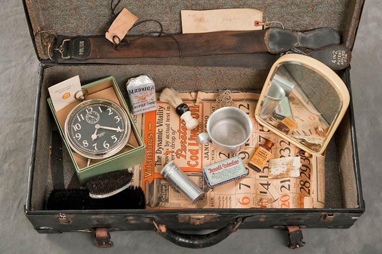 maletas-asilo-mental-abandonado-15