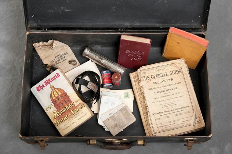 maletas-asilo-mental-abandonado-17