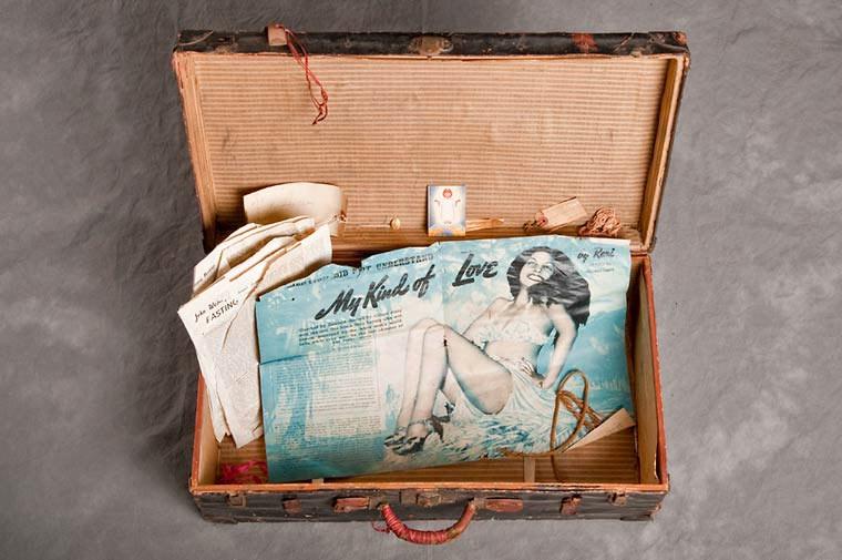 maletas-asilo-mental-abandonado-18