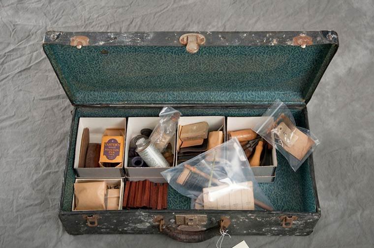 maletas-asilo-mental-abandonado-6