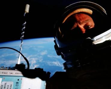 Fotografía Del Día: La Primera Selfie Del Espacio, 1966