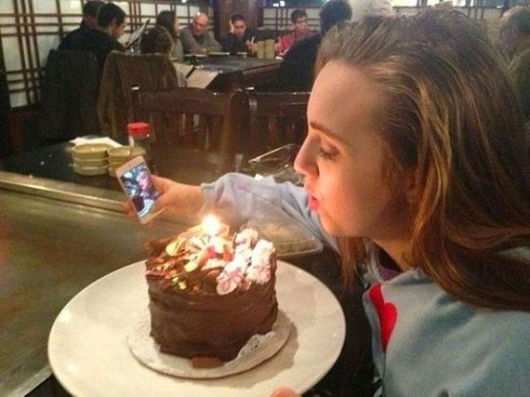 12 Personas Sorprendidas Haciendo Selfies Horribles. Atención a la #7