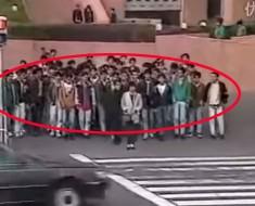 Esta cámara oculta de un grupo de 100 japoneses gasta una broma que te hará partirte de risa