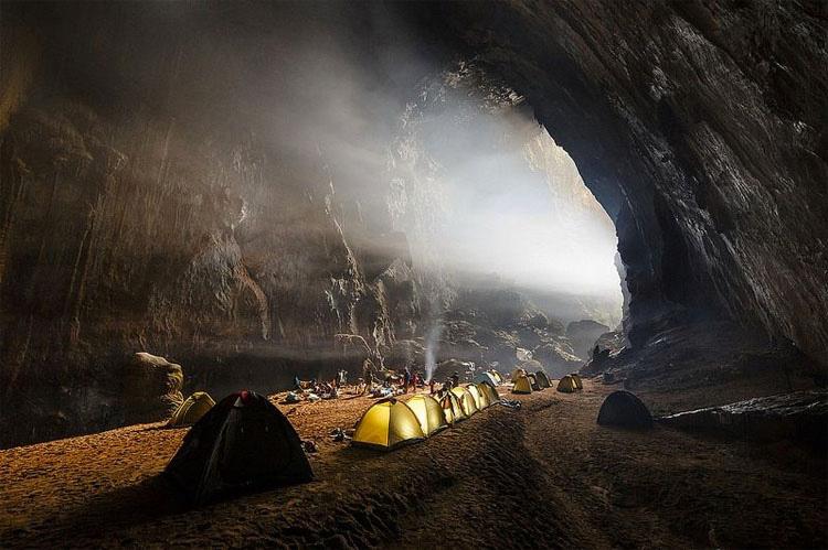 La Cueva Más Grande Del Mundo Tiene Su Propio Río, Selva Y Clima. ¡INCREÍBLES Imágenes! 13