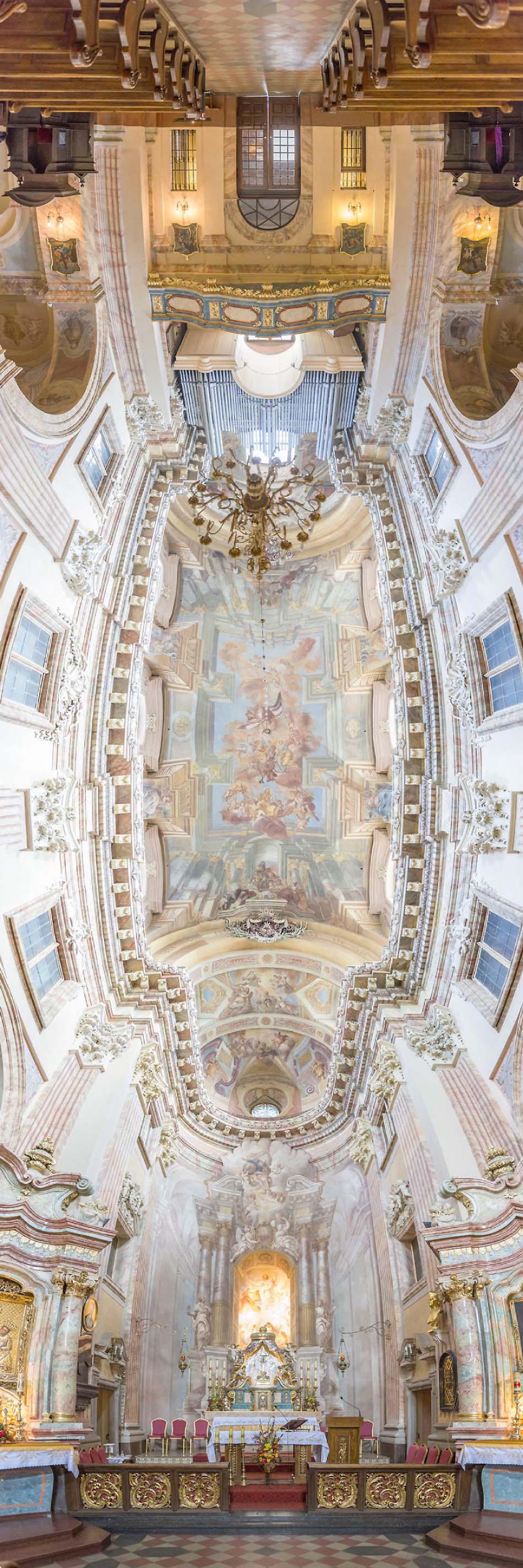 Las Fotografías Del Interior De Iglesias Que Están Sorprendiendo A todo El Mundo