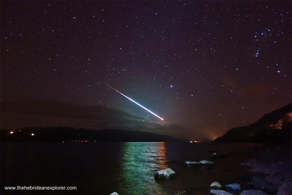 Fotografía del día: meteorito sobre el lago Ness