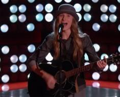 Cuanto este adolescente de 15 años termina de cantar, tiene a los jueces de pie y suplicando por él