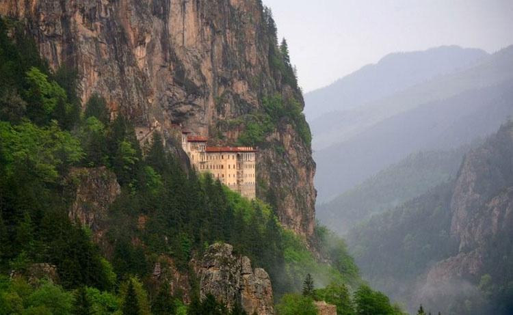 Los 5 monasterios más innacesibles del mundo