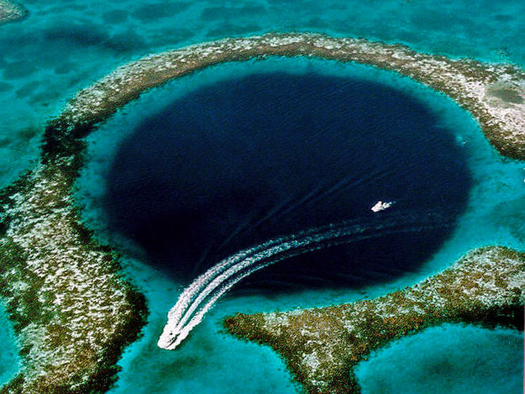 6 Agujeros increíblemente profundos alrededor del mundo que te dejarán ALUCINANDO