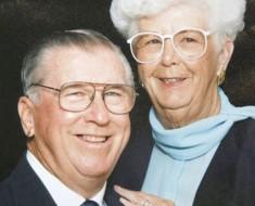 Novios desde la niñez y casados durante 73 años mueren ambos en sitios diferentes con dos minutos de diferencia
