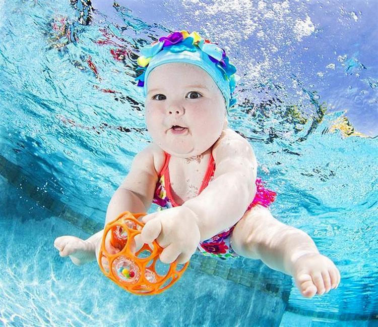 11 bebés bajo el agua que son lo más TIERNO y ADORABLE que verás hoy