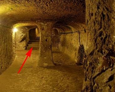 Un hombre derriba un muro en su sótano. Lo que encontró todavía NOS SORPRENDE 2