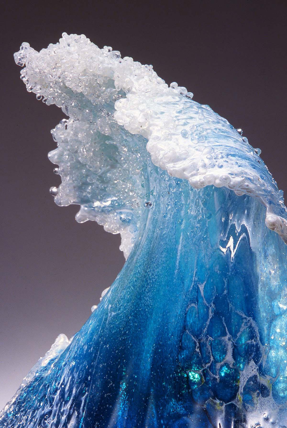 Los majestuosos vasos y esculturas de cristal inspirados en el océano que sorprenden al mundo