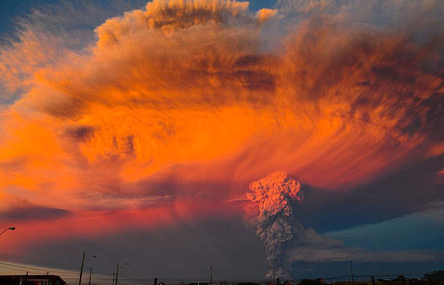 IMPRESIONANTES fotos y vídeos de la erupción del volcán Calbuco que obligó a la evacuación de 1500 personas