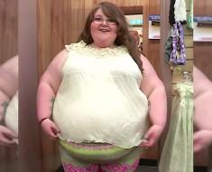 Ella pesa 180 kilos, ¿y qué hace su madre? ¡INEXPLICABLE!