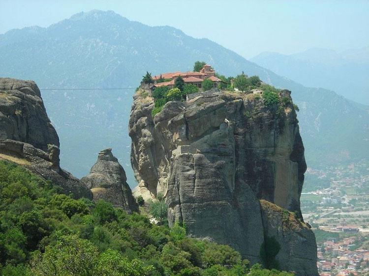 Los 5 monasterios más inaccesibles del mundo 4