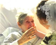 Esta pareja ABANDONA su propia boda para hacer algo que dejó a todos llorando