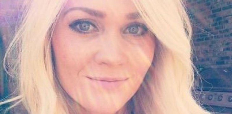 Una mujer con cáncer de la piel publica una selfie MUY GRÁFICA para advertir del bronceado