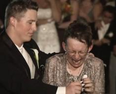 Un hijo baila en su boda con su madre que sufre de ELA. Su baile CONMOVIÓ a todos hasta las lágrimas
