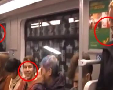 Una mujer comienza a reír en el metro y al poco tiempo todo el mundo SE CONTAGIA
