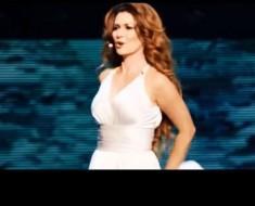 Shania Twain aparece en el escenario, pero es su INVITADO ESPECIAL el que roba el show