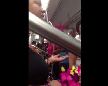 Este hombre le compra TODAS las rosas a esta mujer y le dice ALGO. ¡Increíble!
