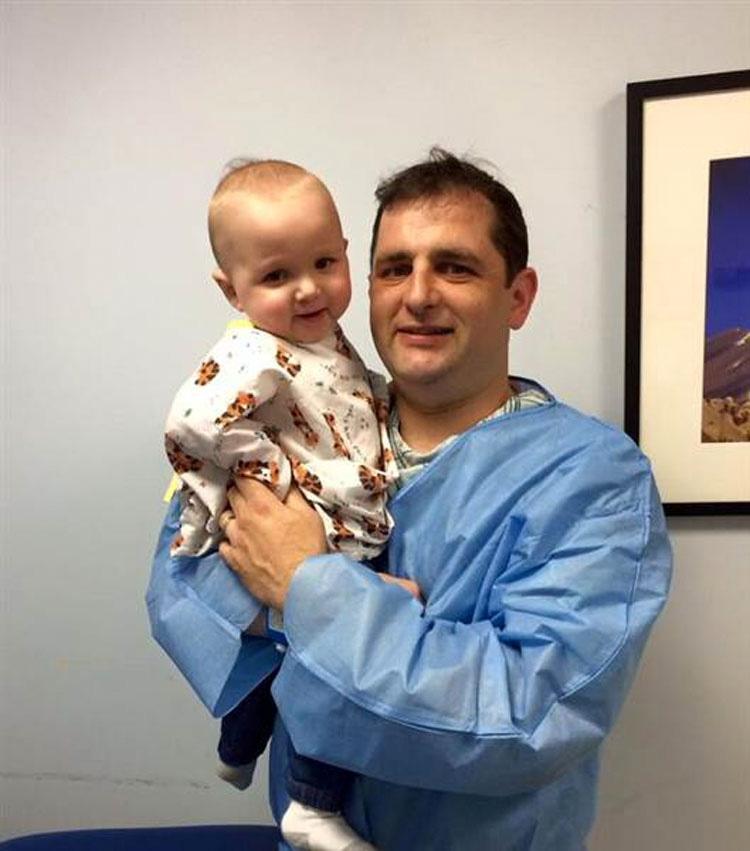 Su padre le entregó su riñon para salvar la vida de su bebé. Este es su EMOTIVO testimonio de amor paternal