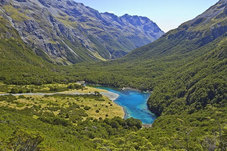 Este lago es el ÚNICO de su tipo en todo el mundo. Es difícil de creer que sea REAL 1