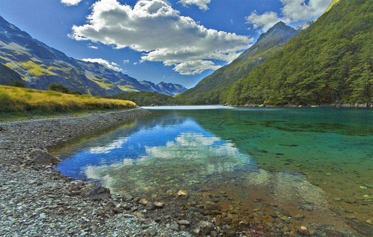 Este lago es el ÚNICO de su tipo en todo el mundo. Es difícil de creer que sea REAL 3