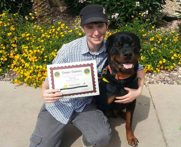 Una mujer con síndrome de Asperger muestra al mundo cómo su perro le ayuda a superar sus problemas