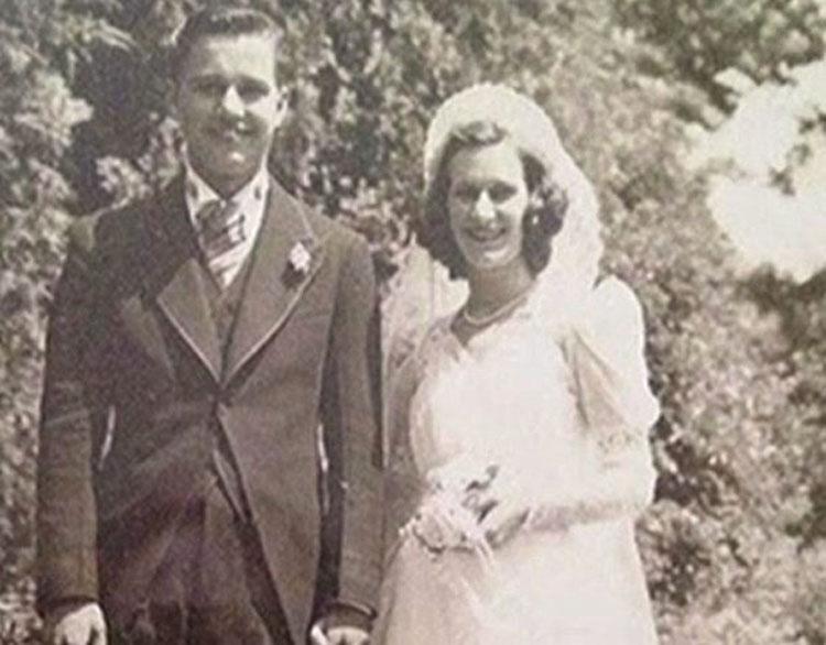 Esta pareja de ancianos casados durante 75 años mueren con unas horas de diferencia y con sus manos unidas