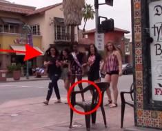 La broma de la silla fantasma que ASUSTA a los transeuntes de una calle. ¡Y a ti también!