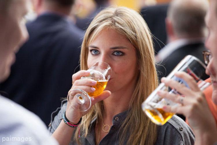 10 estudios científicos que dicen que la cerveza ES BUENA para ti