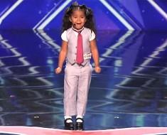 Esta pequeña de 5 años ENTUSIASMA a los jueces con su voz, ahora ATENTOS a sus pies...