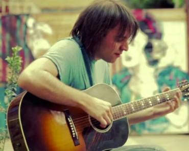 Toca una canción que todo el mundo conoce, pero nunca la has escuchado ASÍ. ¡INCREÍBLE!