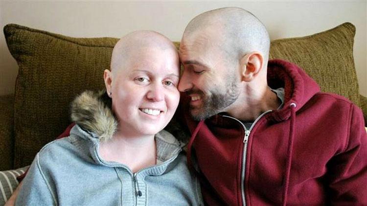 'Todavía amamos la vida': Estos padres animan a sus hijas en medio de su batalla contra el cáncer