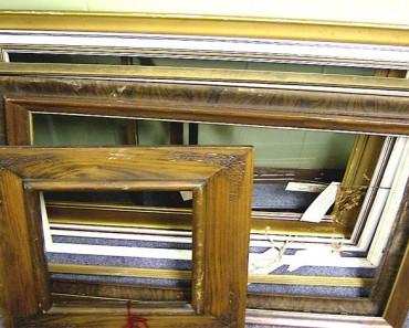Ella encontró estos viejos marcos en una pila de basura en el garaje. ¿Lo que hizo después? ¡INCREÍBLE!