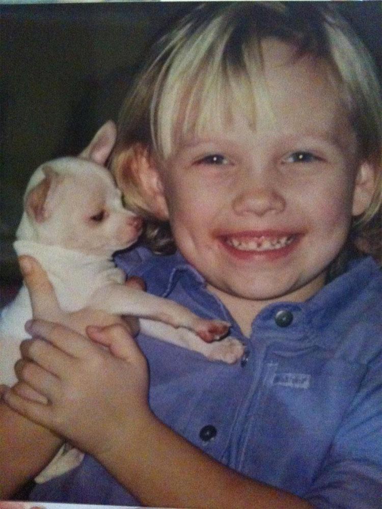 Esta familia con un perro CIEGO inventaron un dispositivo que cambió su vida