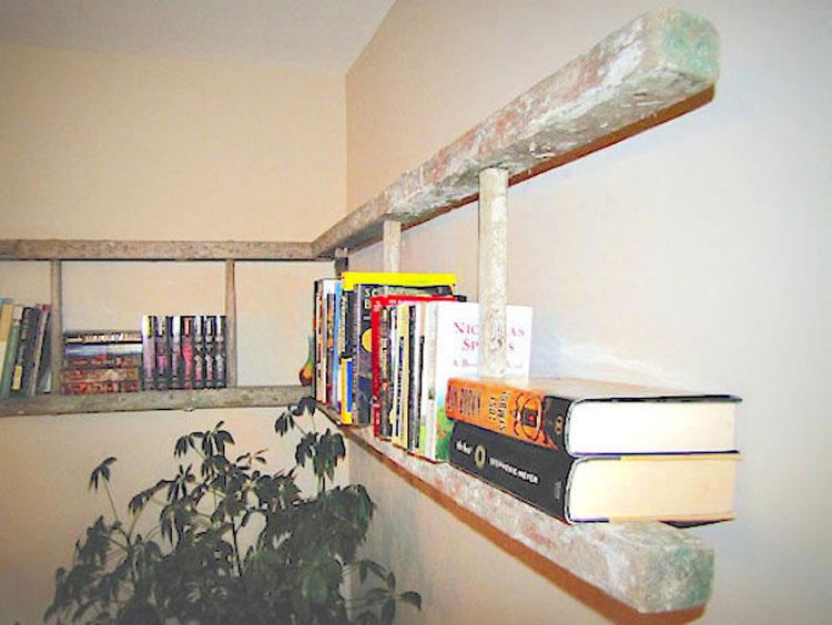 Trajo estas viejas y sucias escaleras. Cuando vi la razón... ¡Voy a probarlo yo!